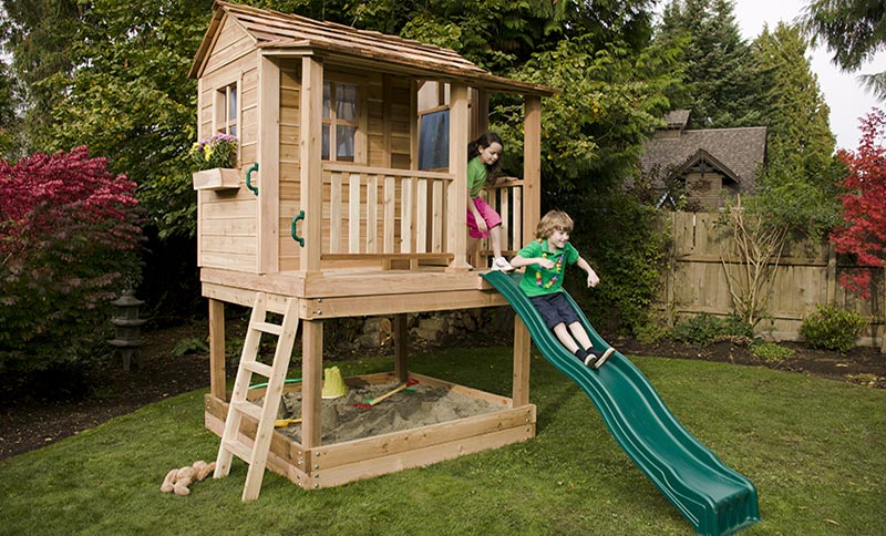 Charmant Backyard Playhouse