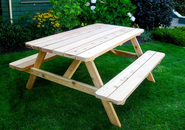 Picnic table - Cedar Wood