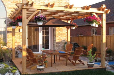 How-to-Maintain-a-Deck-or-Pergola