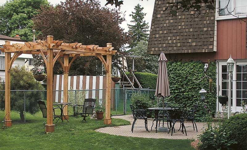 pergola cleaning and maintenance tips